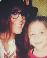 Chelsea Houska and Aubree Feature