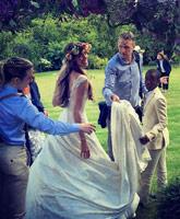 Jacqui_Ainsley_Guy_Ritchie_wedding_tn
