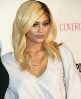 Kylie Jenner plastic surgery 1