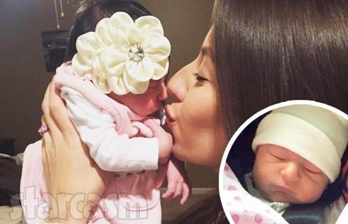 Vetzabe_Vee_Torres_baby_daughter_Velisse_photo_490