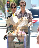 Pregnant Halle Berry and fiance Olivier Martinez are spotted leaving Bristol Farms  Featuring: Halle Berry,Olivier Martinez Where: Los Angeles, California, United States When: 20 May 2013 Credit: Ryan/WENN.com