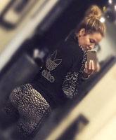 Khloe_Kardashian_booty_selfie__tn