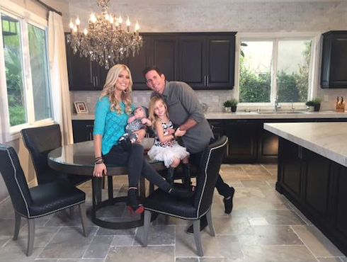 Flip or flop 39 s christina el moussa gets 39 brutally honest for How much are tarek and christina worth