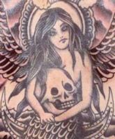 Adam_Levine_back_tattoo_tn