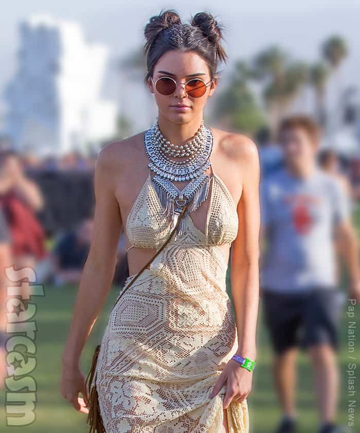 VIDEOS PHOTOS Kendall and Kylie Jenner at Coachella 2016 - starcasm.net