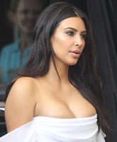 Kim_Kardashian_boobs___tn_