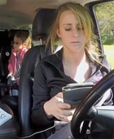Leah_Messer_texting_and_Driving_2_tn