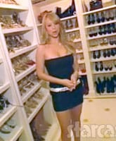 Mariah_Carey_MTV_Cribs_shoe_closet_tn