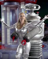 Kendra_Wilkinson_Lost_In_Space_tn