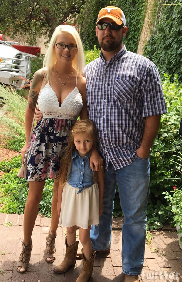16 and Pregnant Lindsey Nicholson family photo after breast augmentation surgery by Dr. Miami