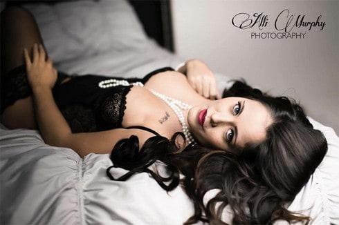 Jenelle-Evans-lingerie-full