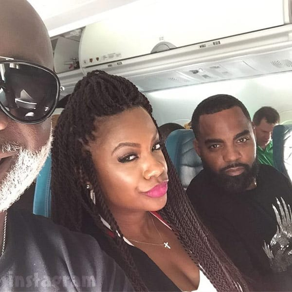 Kandi Burruss Todd Tucker on Hawaiian Airlines airplane before getting kicked off