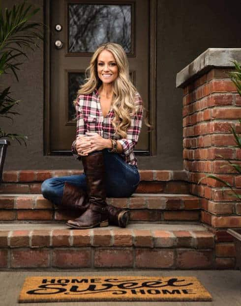 Nicole curtis baby daddy identity revealed he sues for custody in