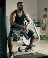 Drake_dancing_Taylor_Swift_Apple_commercial_tn