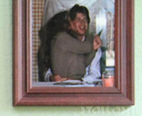 Jim Bob Duggar and Michelle Duggar necking