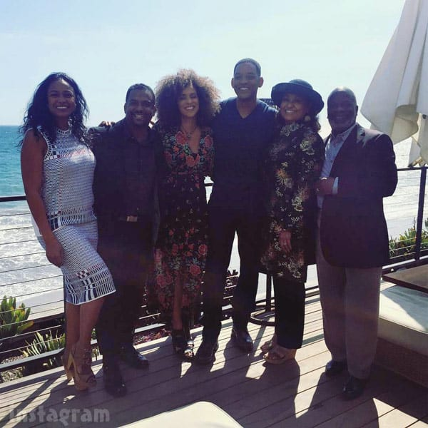 Photo Fresh Prince Of Bel Air Cast Reunites Are Chillin