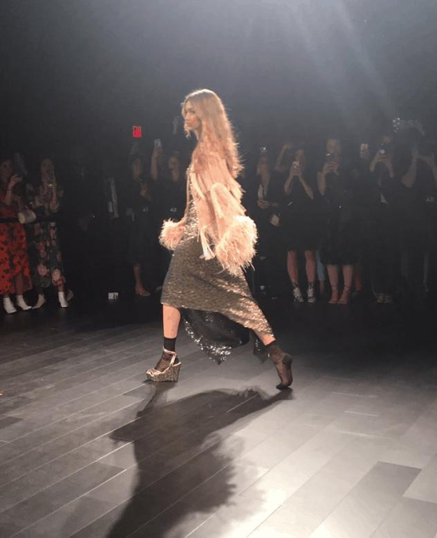Gigi Hadid loses a shoe on New York Fashion Week ramp