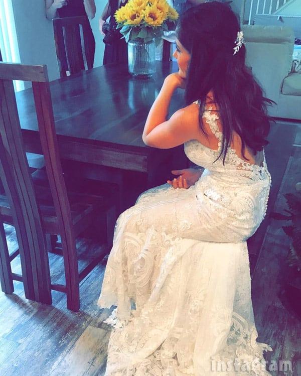 Jenelle Evans wedding dress sitting