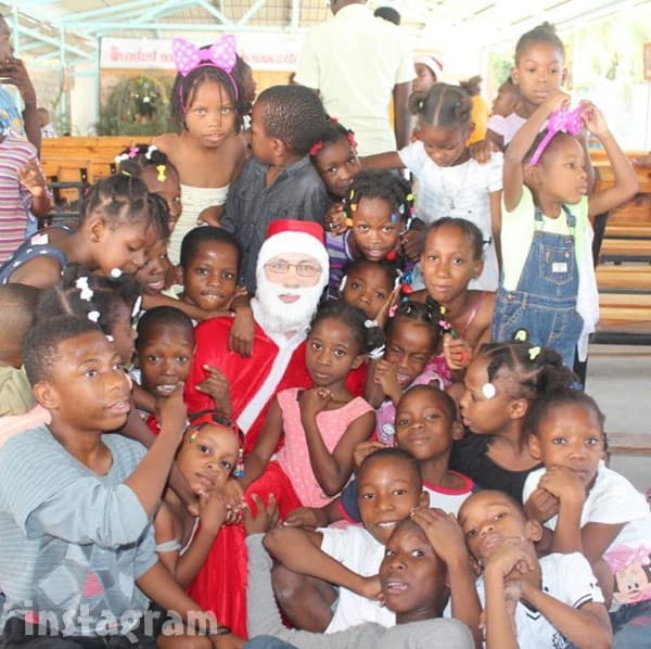 90 Day Fiance Sean Christmas in Haiti charity event dressed as Santa Claus