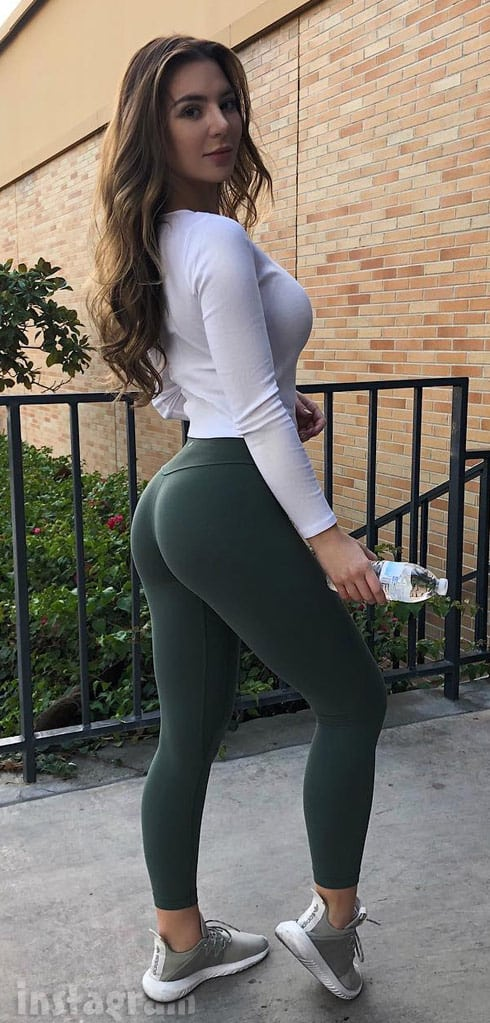 90 Day FIance Anfisa wearing tight clothes