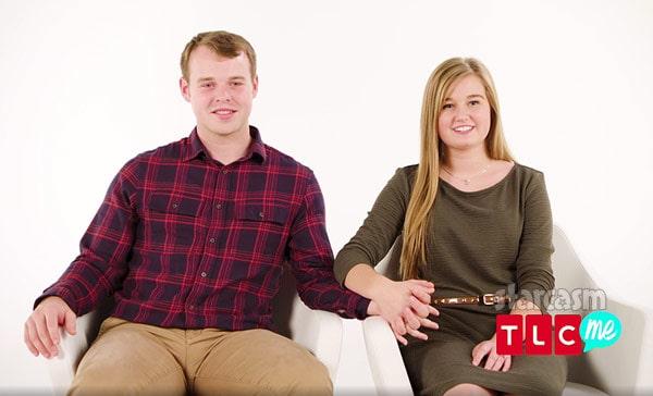 Joseph Duggar and Kendra Duggar holding hands