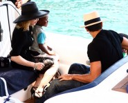 Madonna with Jesus Luz and family.