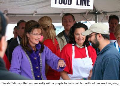 Sarah Palin without her wedding ring