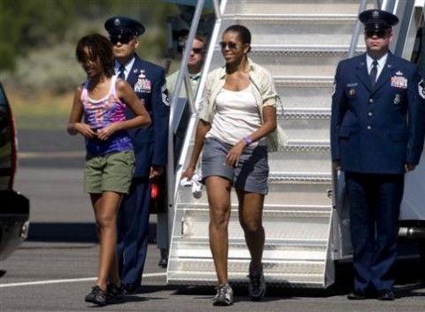 Sick, or Ick? Shortsgate 2009 Edition: Michelle Obama shows