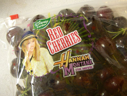 pedo-bear-gets-to-pop-miley-cyrus-cherry
