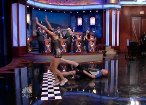 Conan O'Brien injurs his head and suffers a concussion while racing Teri Hatcher on The Late Show