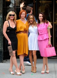 Kim Cattrall Cynthia Nixon Sarah Jessica Parker and Kristin Davis pose for pictures on the set of Sex and the City 2