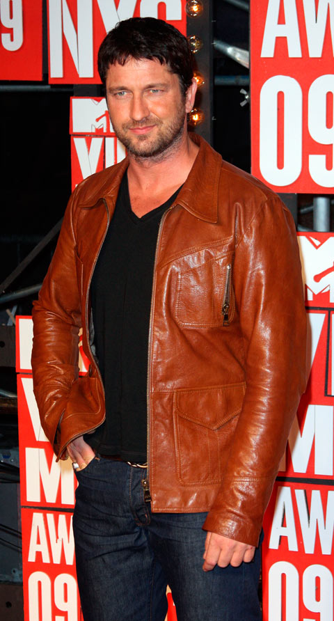 Gerard Butler on the red carpet at the 2009 MTV Video Music Awards VMA