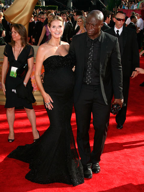 A very pregnant Heidi Klum and husband Seal on the 2009 61st Annual Primetime Emmy Awards red carpet