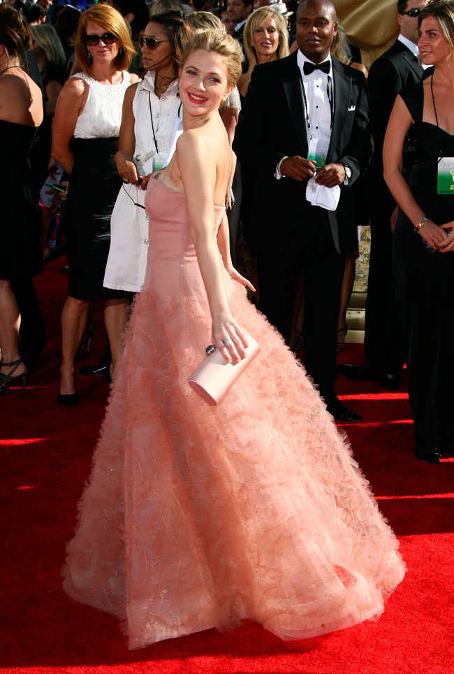 Drew Barrymore lights up the red carpet at the 2009 61st Annual Primetime Emmy Awards