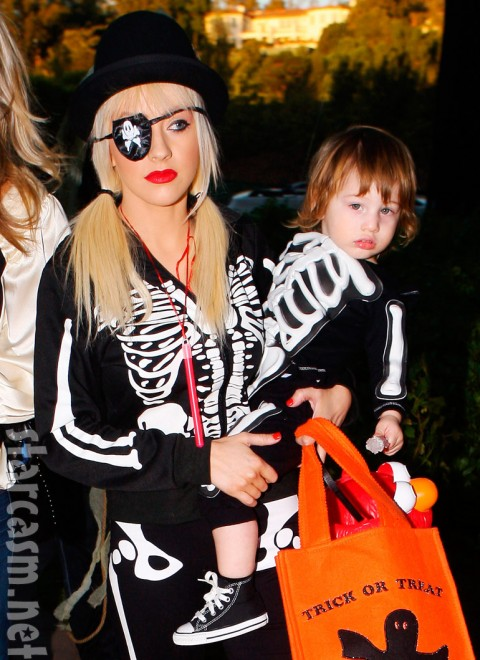 Max Bratman and mom Christina Aguilera in skeleton costumes for Halloween  sc 1 st  Starcasm & PHOTOS Celebrity Halloween Costumes u2013 Christina Aguilera and Max ...