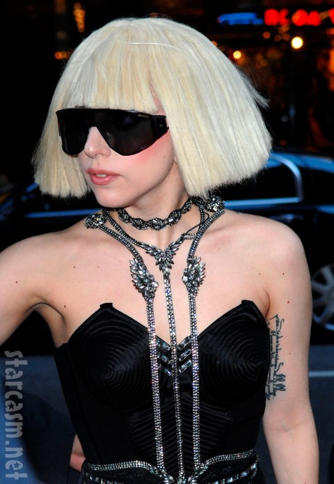 FP_3942406_Lady_Gaga_AAR_110309-480x695.