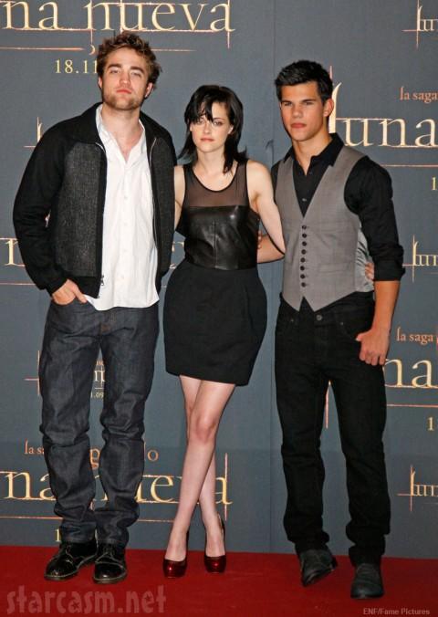 New Moon's Twilight Trinity - Robert Pattinson Kristen Stewart and Taylor Lautner