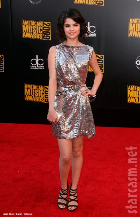 Selena Gomez AMA red carpet