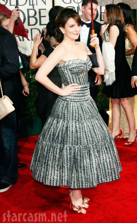 Tina Fey arriving on the red carpet at the 2010 Golden Globes