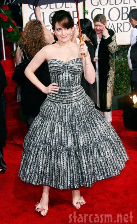 Tina Fey 2010 Golden Globe red carpet