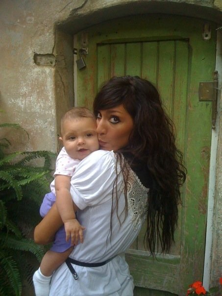 Teen Mom Farrah Abraham kisses her daughter Sophia