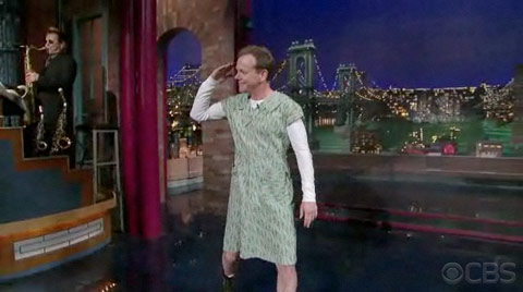 Kiefer Sutherland in a dress on Letterman January 13 2010
