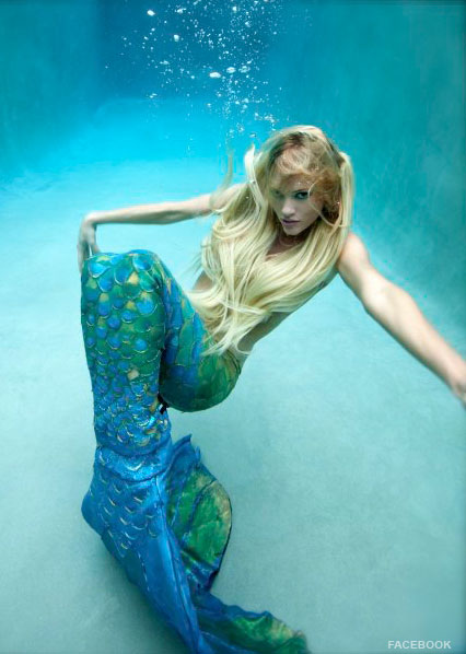 The sexy Rozlyn Papa in a modeling shoot as a mermaid