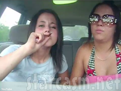 Jenelle Evans from 16 and Pregnant smoking pot with a friend
