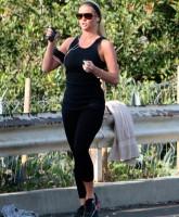 Reggie Bush mistress January Gessert jogging in Los Angeles 3-25-10 (Picture 5)
