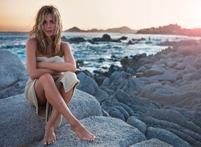 Jennifer Aniston is nearly nude in her new Lolavie perfume ad