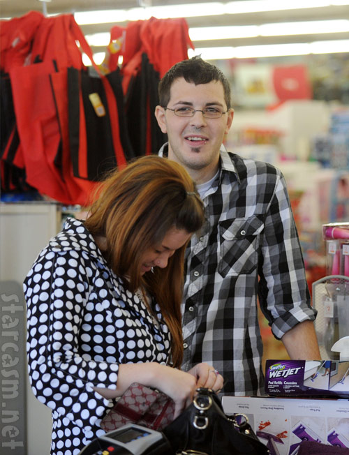 Teen Mom Amber Portwood and boyfriend Clinton Yunker shop at a dollar store for Teen Mom Season 3