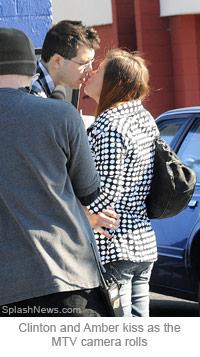 Amber Portwood kisses her new boyfriend Clinton Yunker for Teen Mom Season 3