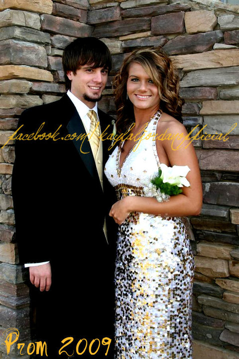 separation shoes 3ec6c bb2b9 16 and Pregnant s Kayla Jordan before the Excel 2009 prom