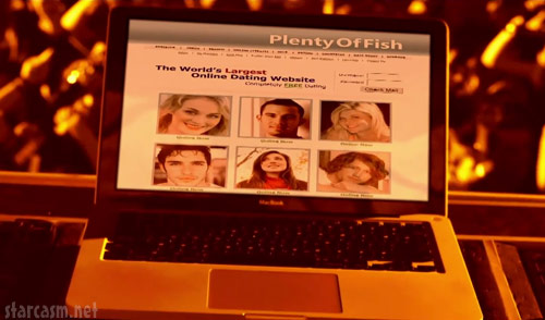 Ke$ha pushes plentyoffish.com in her We R Who We R music video